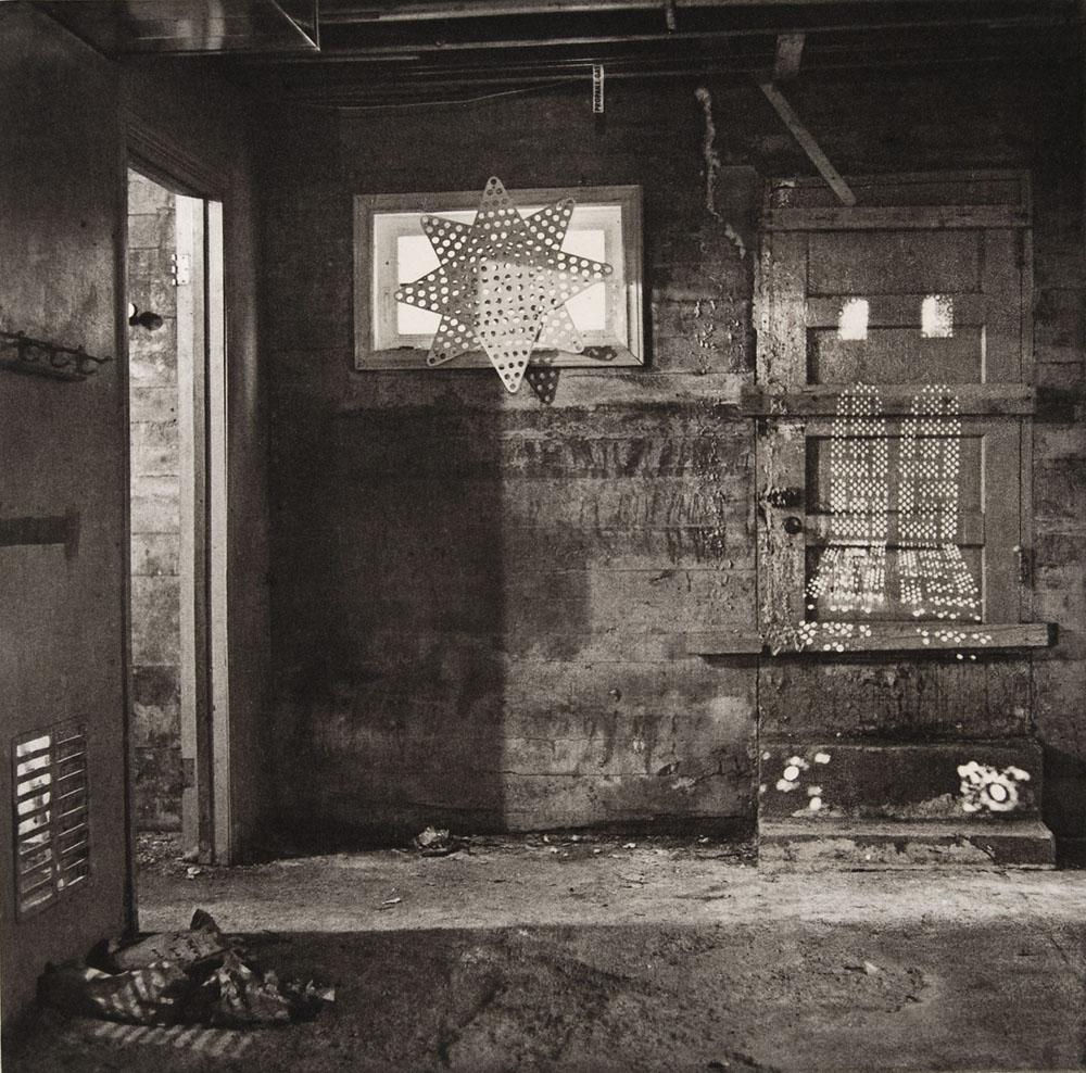 photogravure-strange-SC_Basement